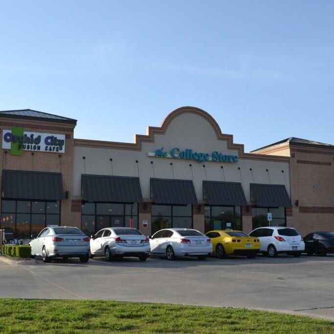 Two Tenant Retail Center sold in Arlington