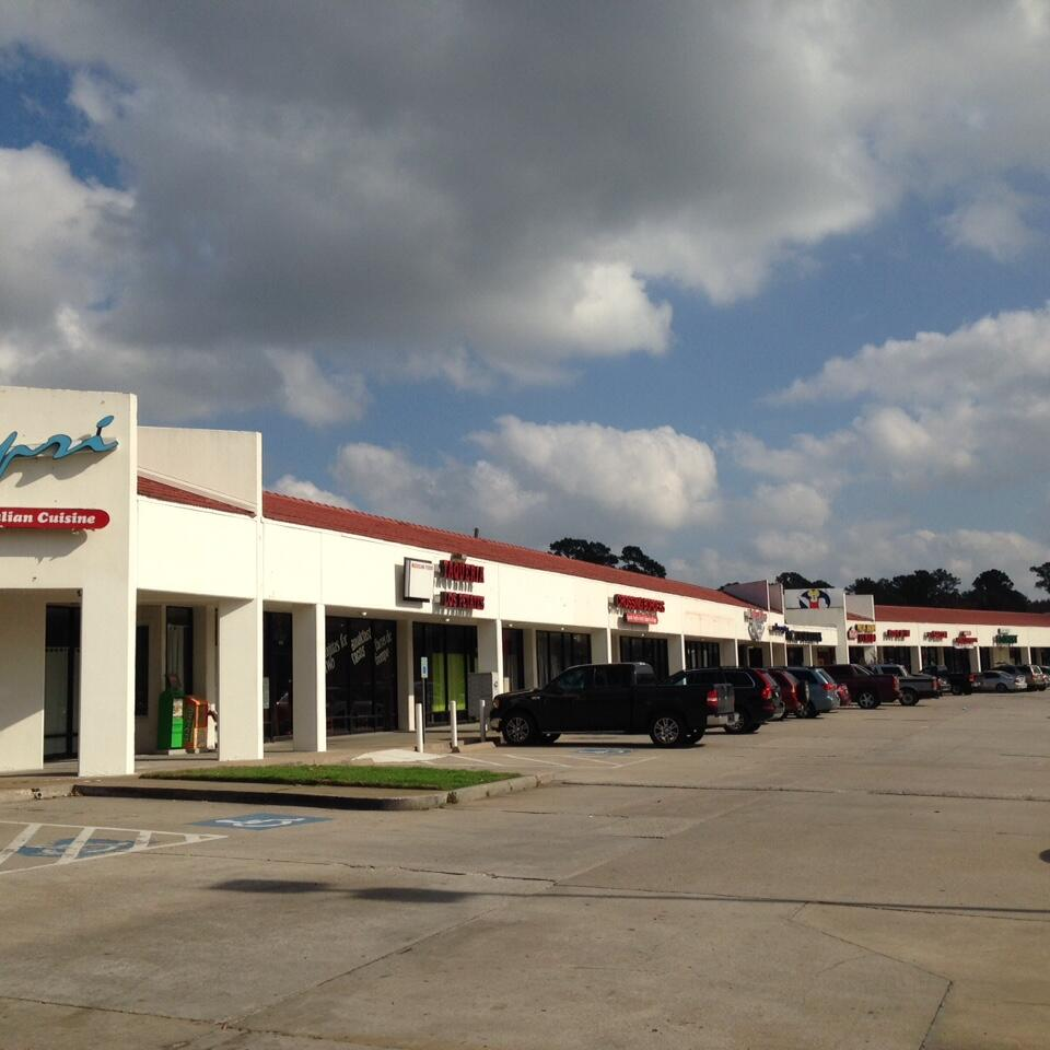 Spanish Oaks Plaza net lease property